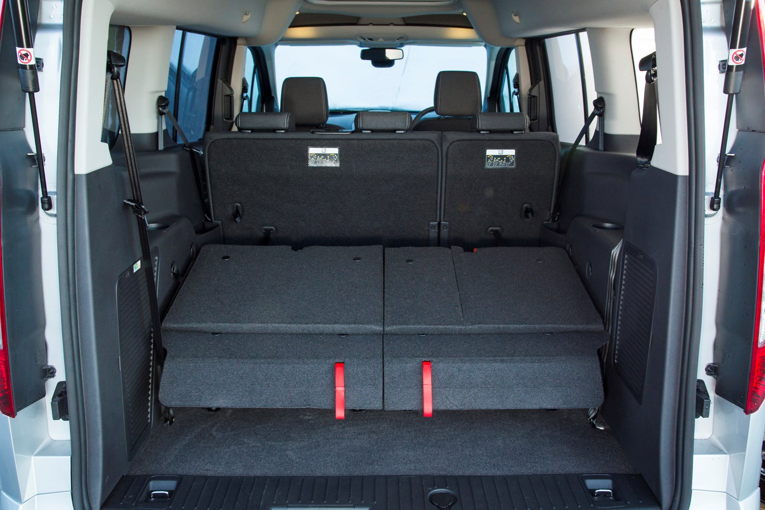 ford grand tourneo connect estate 2013 features. Black Bedroom Furniture Sets. Home Design Ideas