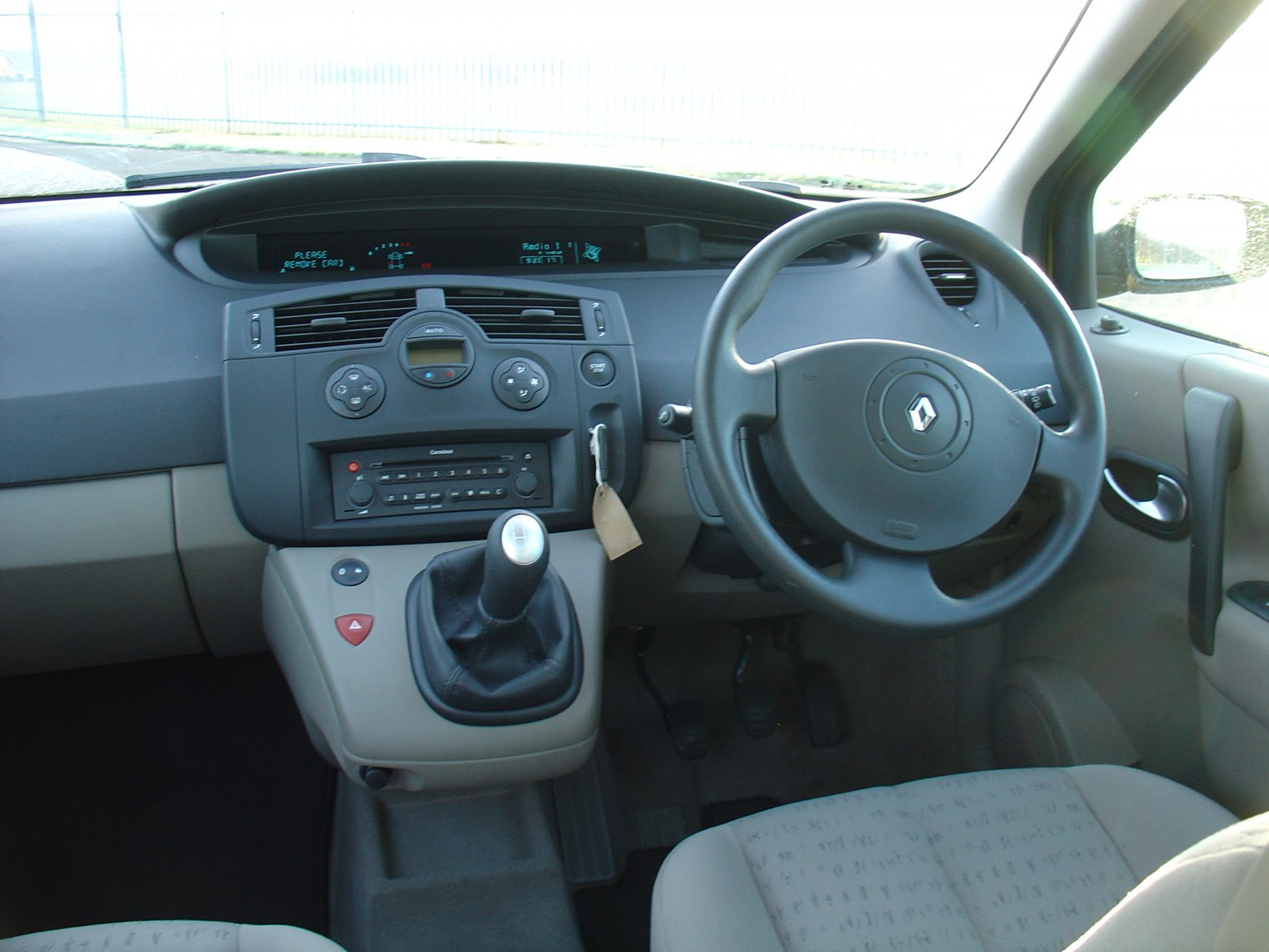 Renault Grand Scenic Estate Review (2004 - 2009) | Parkers