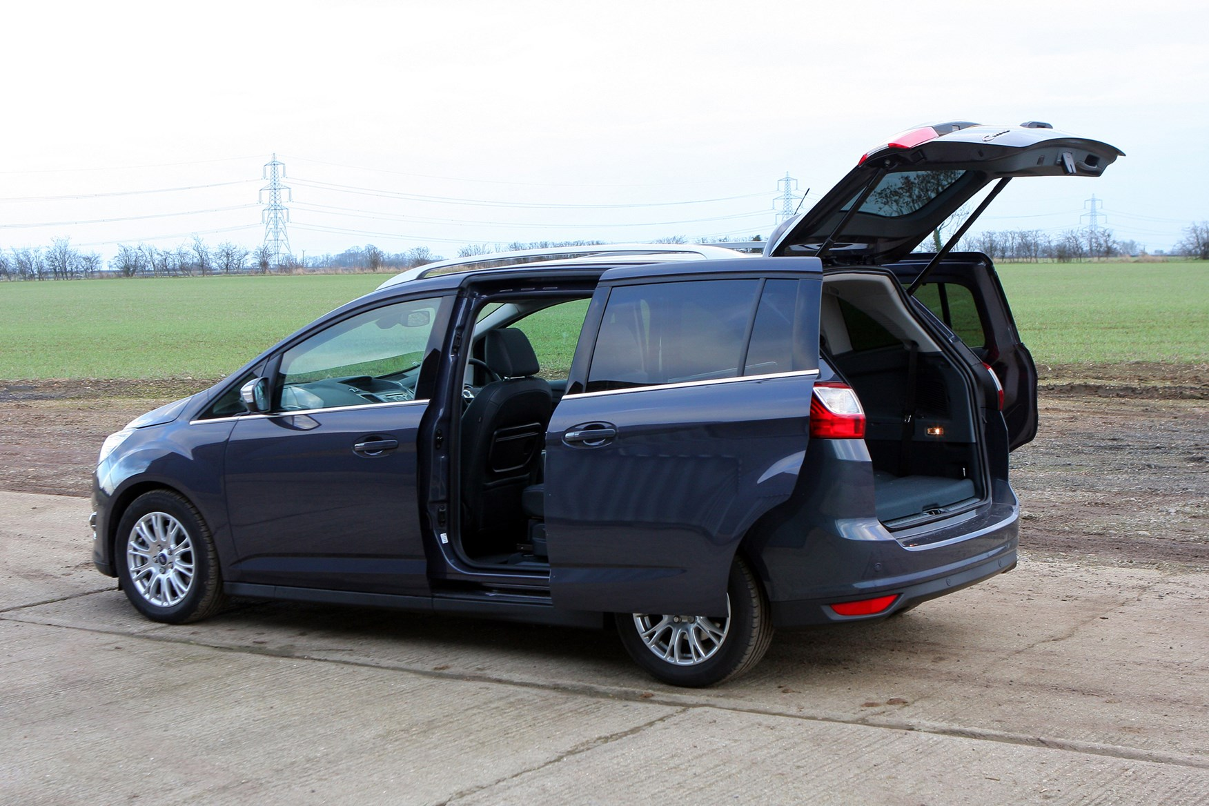 ford grand c max estate review 2010 parkers. Black Bedroom Furniture Sets. Home Design Ideas