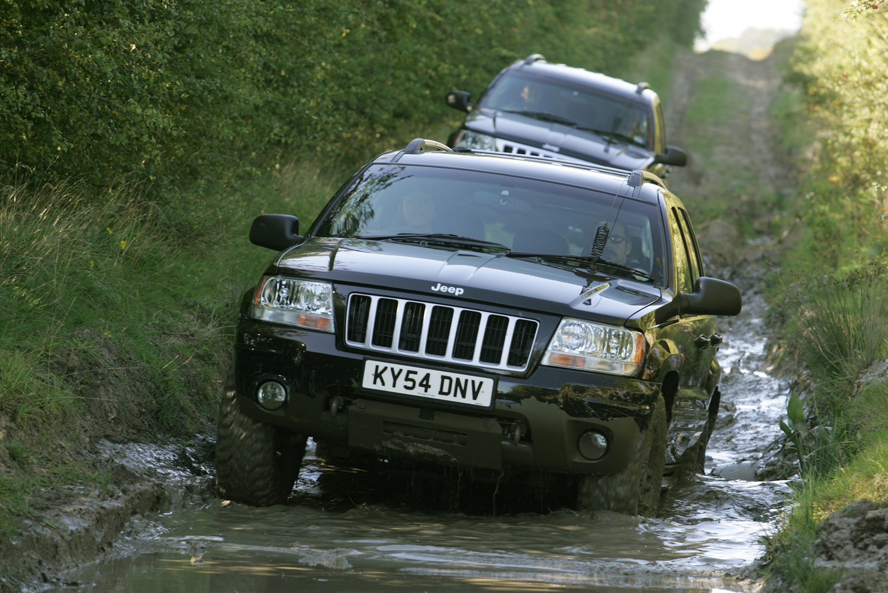 Jeep Grand Cherokee Overland >> Jeep Grand Cherokee Station Wagon Review (1999 - 2004) | Parkers