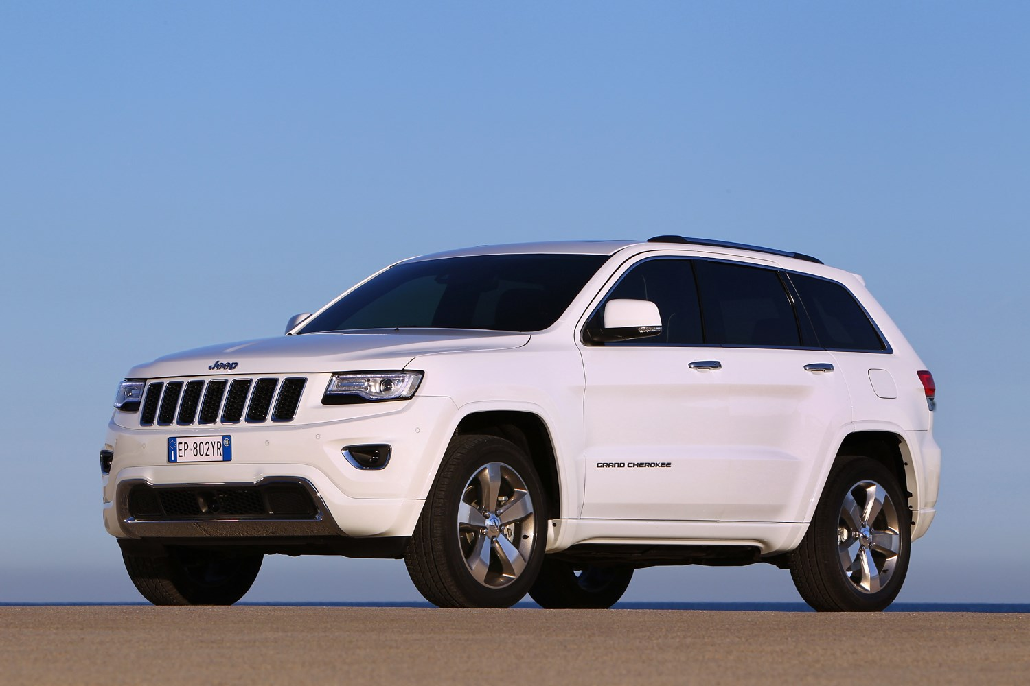 Jeep Grand Cherokee Estate 2011 Features Equipment And Leveling Kit How Much Is It To Insure