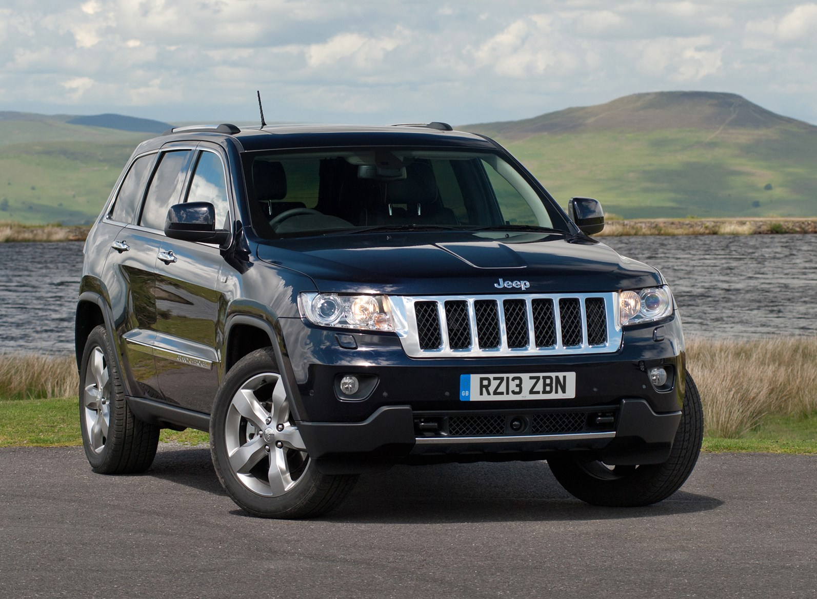 jeep grand cherokee estate review 2011 parkers. Black Bedroom Furniture Sets. Home Design Ideas