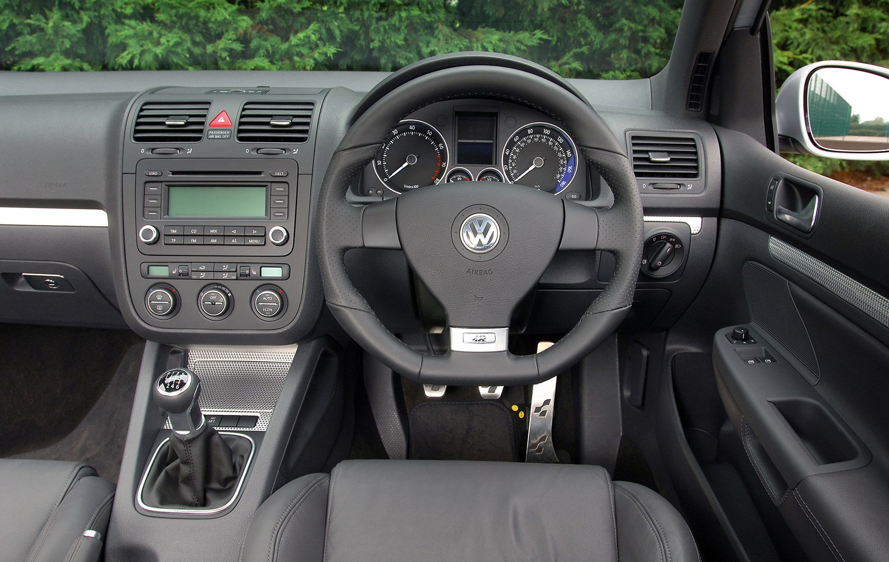 volkswagen golf r32 review 2005 2008 parkers. Black Bedroom Furniture Sets. Home Design Ideas