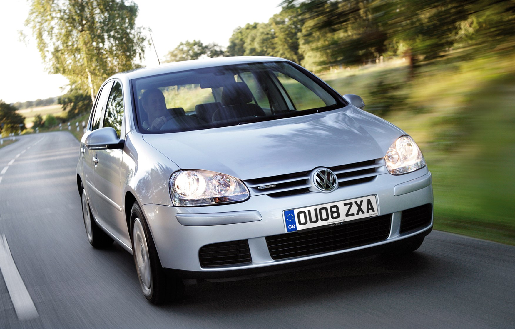 volkswagen golf hatchback 2004 2008 driving performance parkers. Black Bedroom Furniture Sets. Home Design Ideas