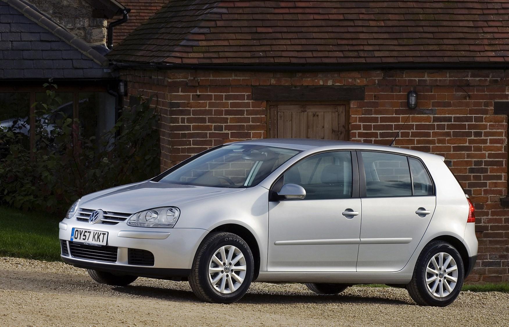 0b091b6af3 Volkswagen Golf Hatchback (2004 - 2008) Features