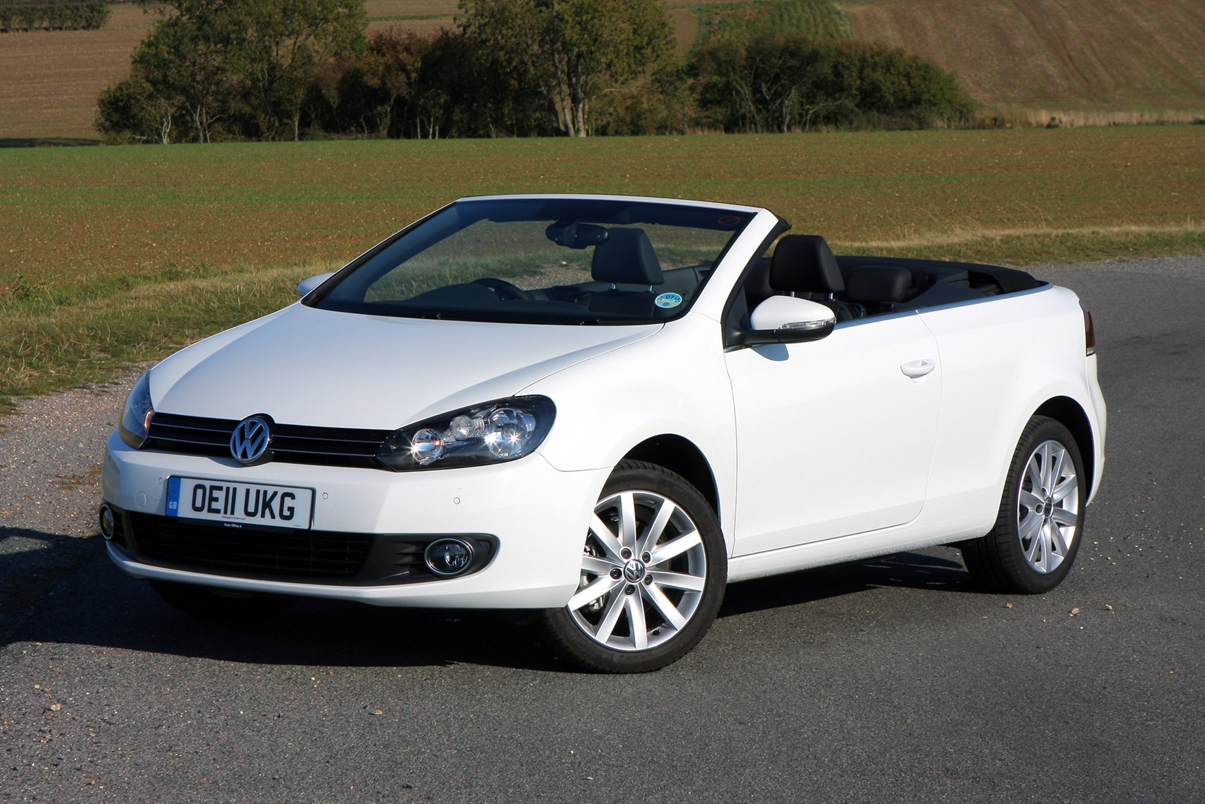 volkswagen golf cabriolet review 2011 2016 parkers. Black Bedroom Furniture Sets. Home Design Ideas