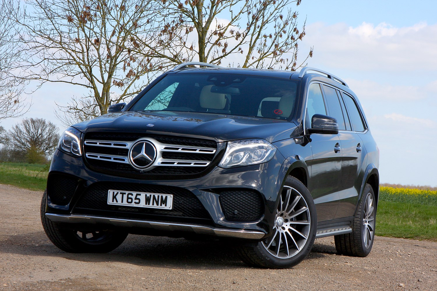 Mercedes benz gls class suv review 2016 parkers for Gls mercedes benz suv