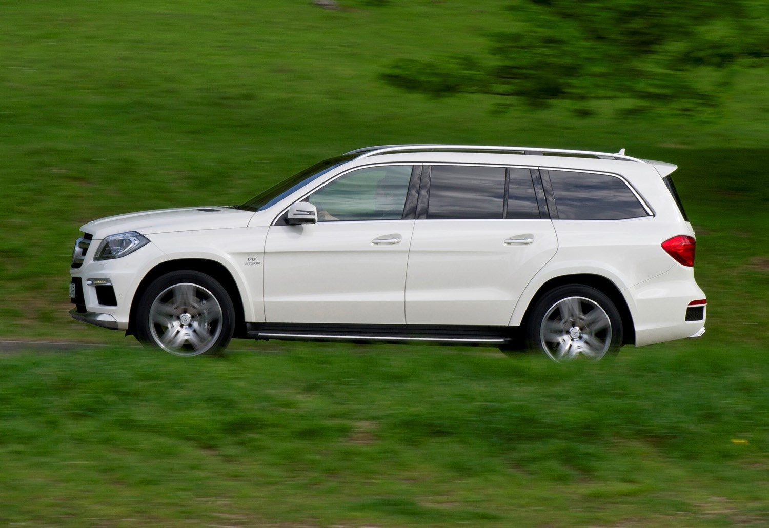 mercedes benz gl class amg 2013 2015 driving performance parkers. Black Bedroom Furniture Sets. Home Design Ideas