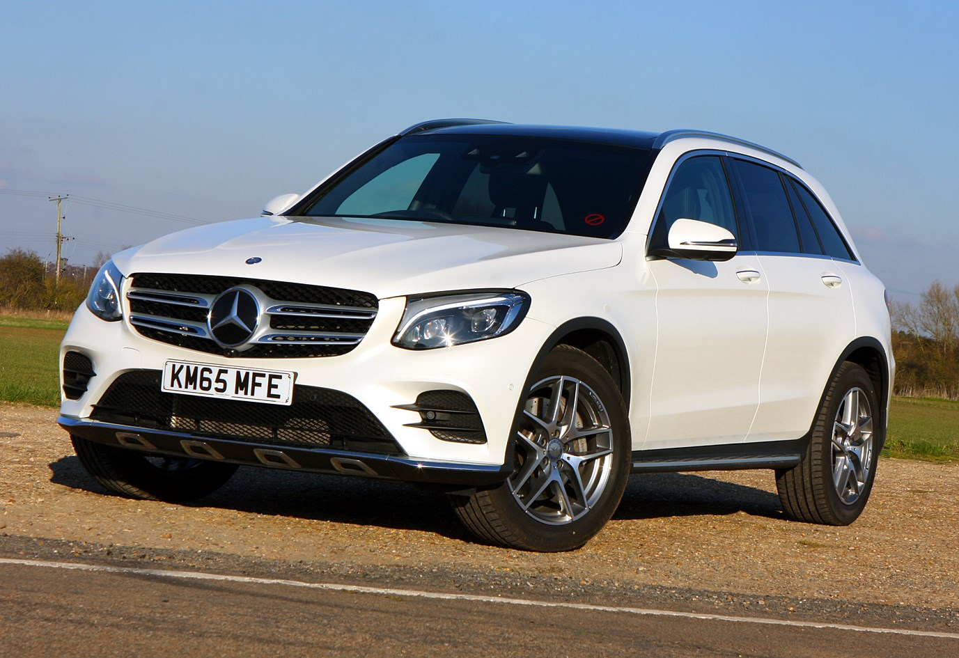 mercedes benz glc review equipment and safety parkers. Black Bedroom Furniture Sets. Home Design Ideas