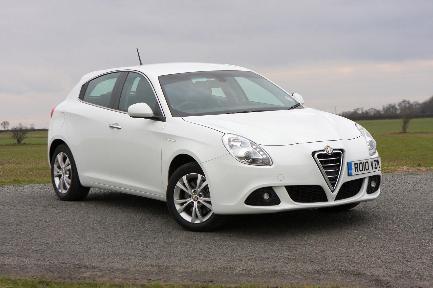 Alfa Romeo Giulietta Hatchback Review 2010