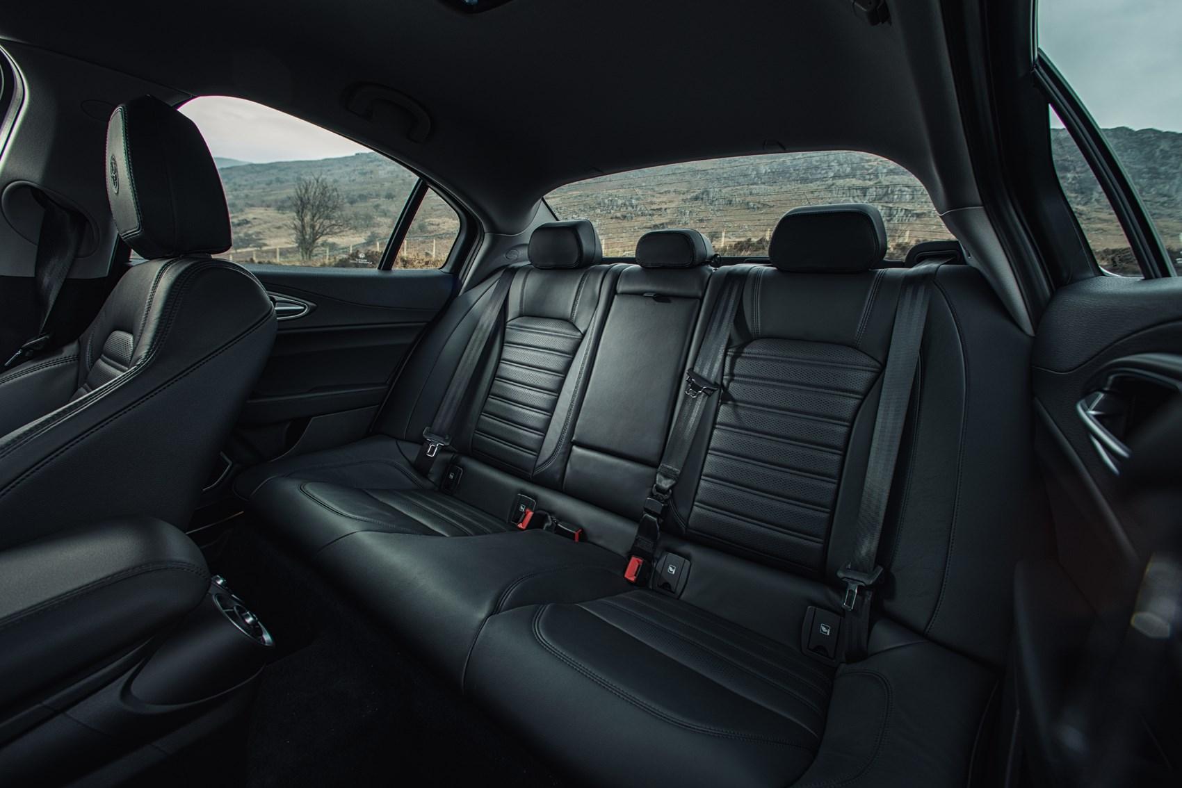 Alfa Romeo Giulia Interior >> Alfa Romeo Giulia 2019 Interior Layout Dashboard