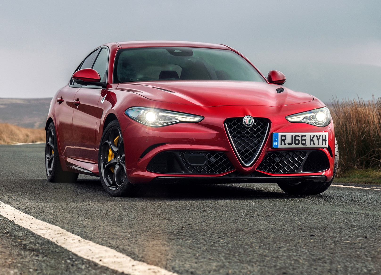 alfa romeo giulia review summary parkers. Black Bedroom Furniture Sets. Home Design Ideas