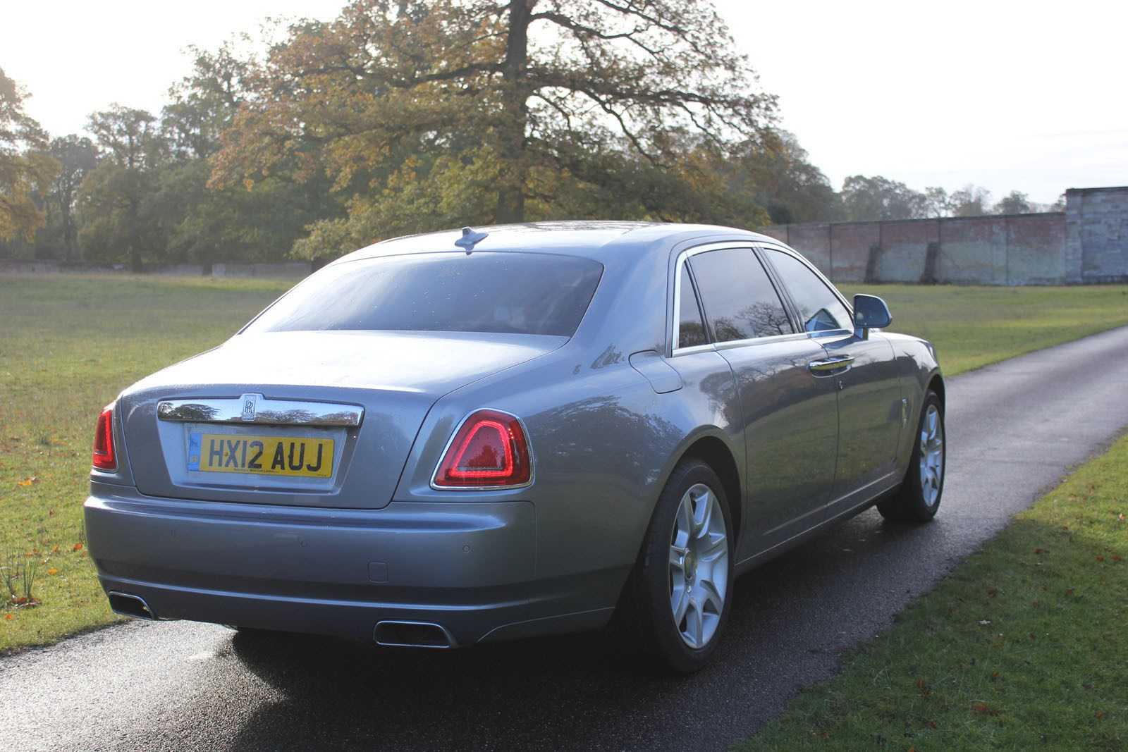 rolls royce ghost saloon 2010 running costs parkers. Black Bedroom Furniture Sets. Home Design Ideas