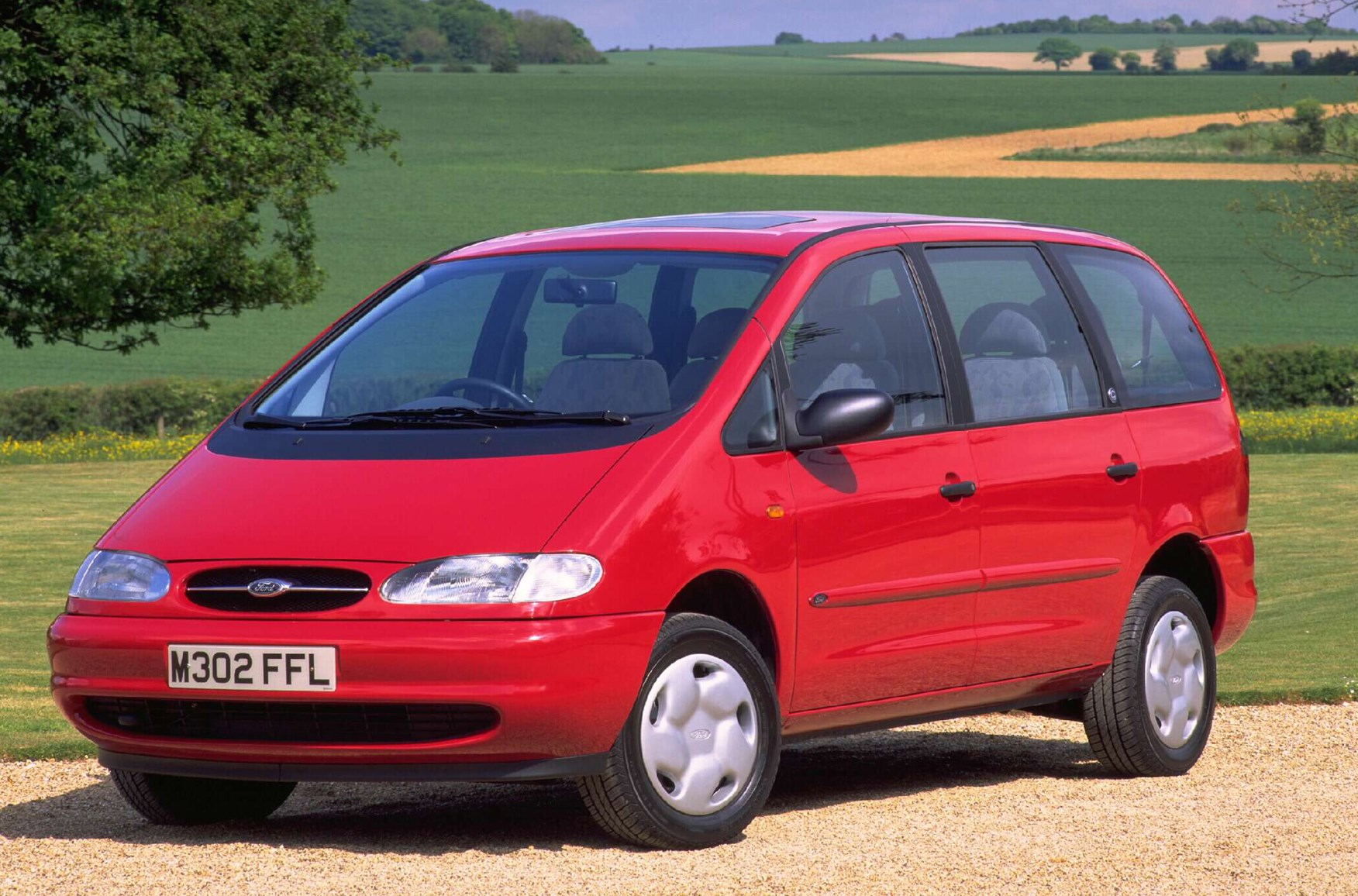 Ford galaxy estate review 1995 2000 parkers