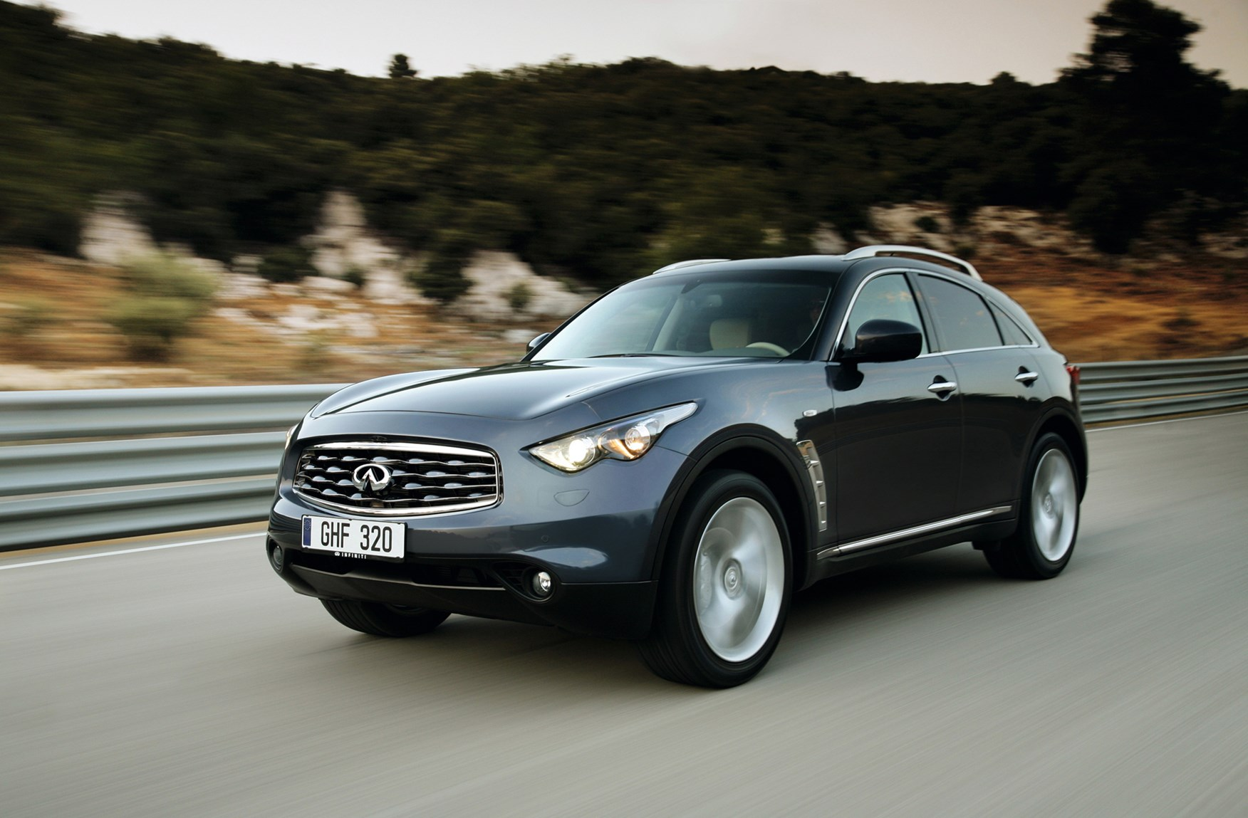 Infiniti fx estate 2009 features equipment and accessories infiniti fx estate 2009 features equipment and accessories parkers vanachro Choice Image