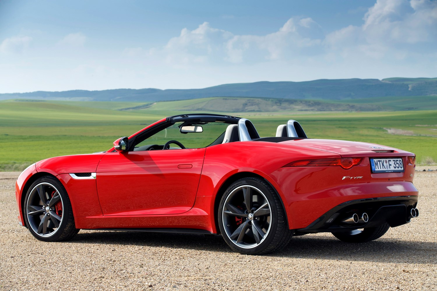 jaguar f type roadster review 2013 parkers. Black Bedroom Furniture Sets. Home Design Ideas
