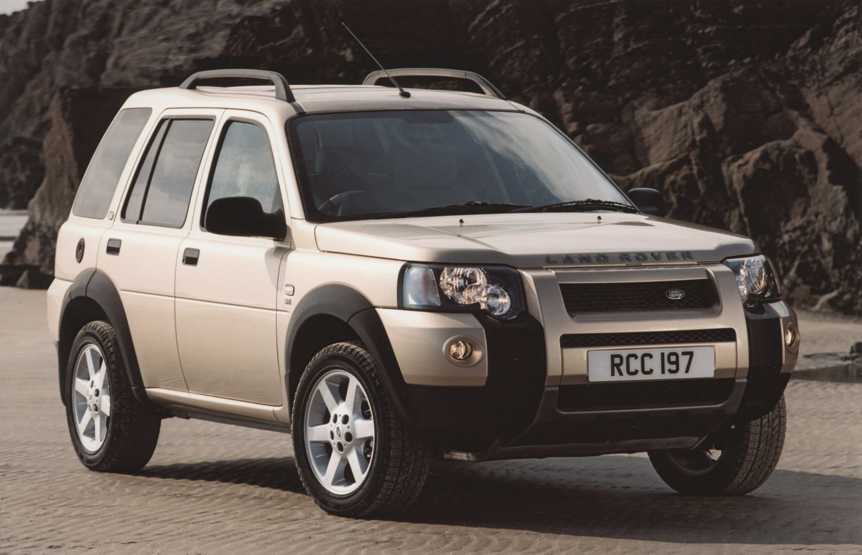 land rover freelander station wagon review 2003 2006 parkers. Black Bedroom Furniture Sets. Home Design Ideas