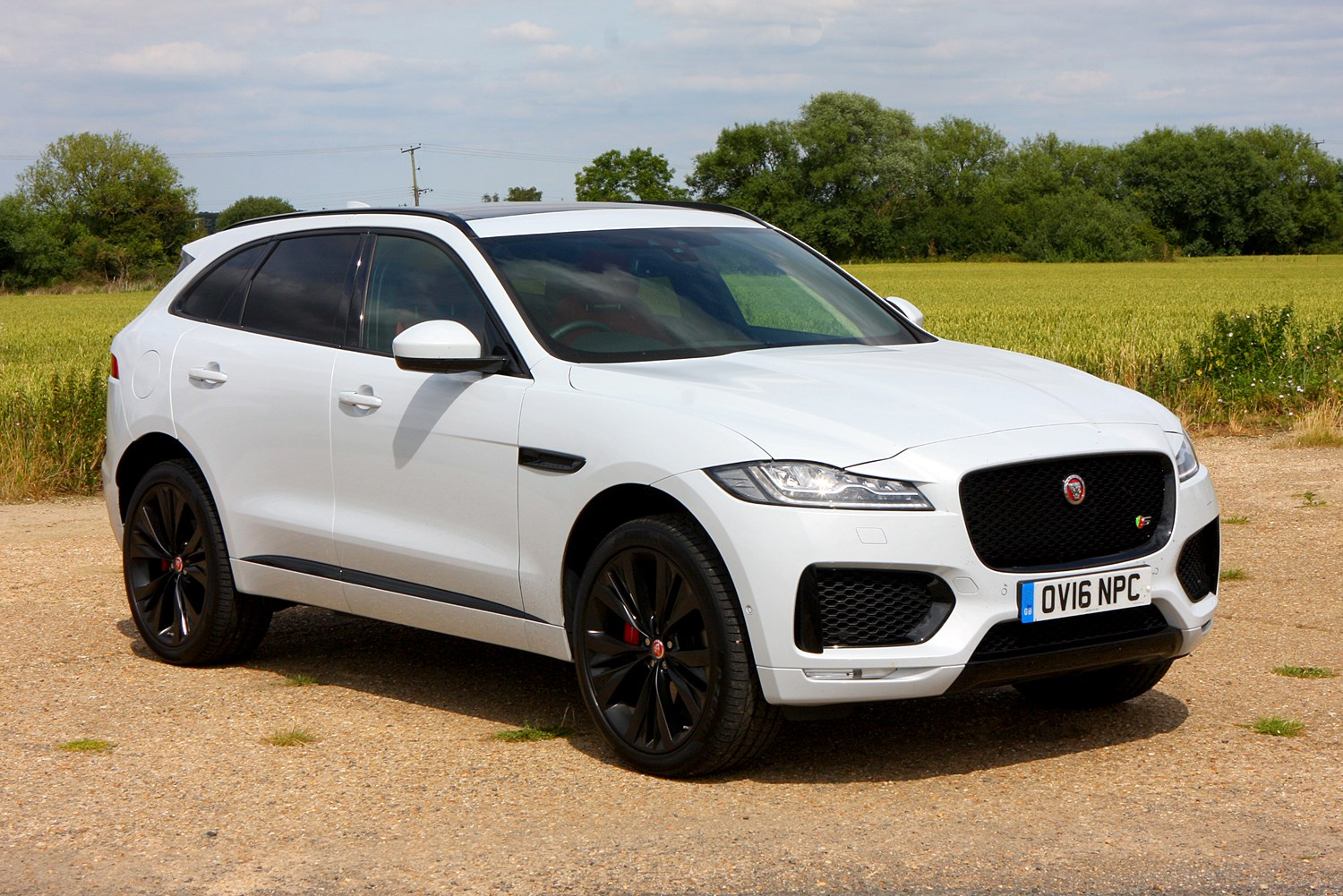 jaguar f pace 4x4 2016 rivals parkers. Black Bedroom Furniture Sets. Home Design Ideas