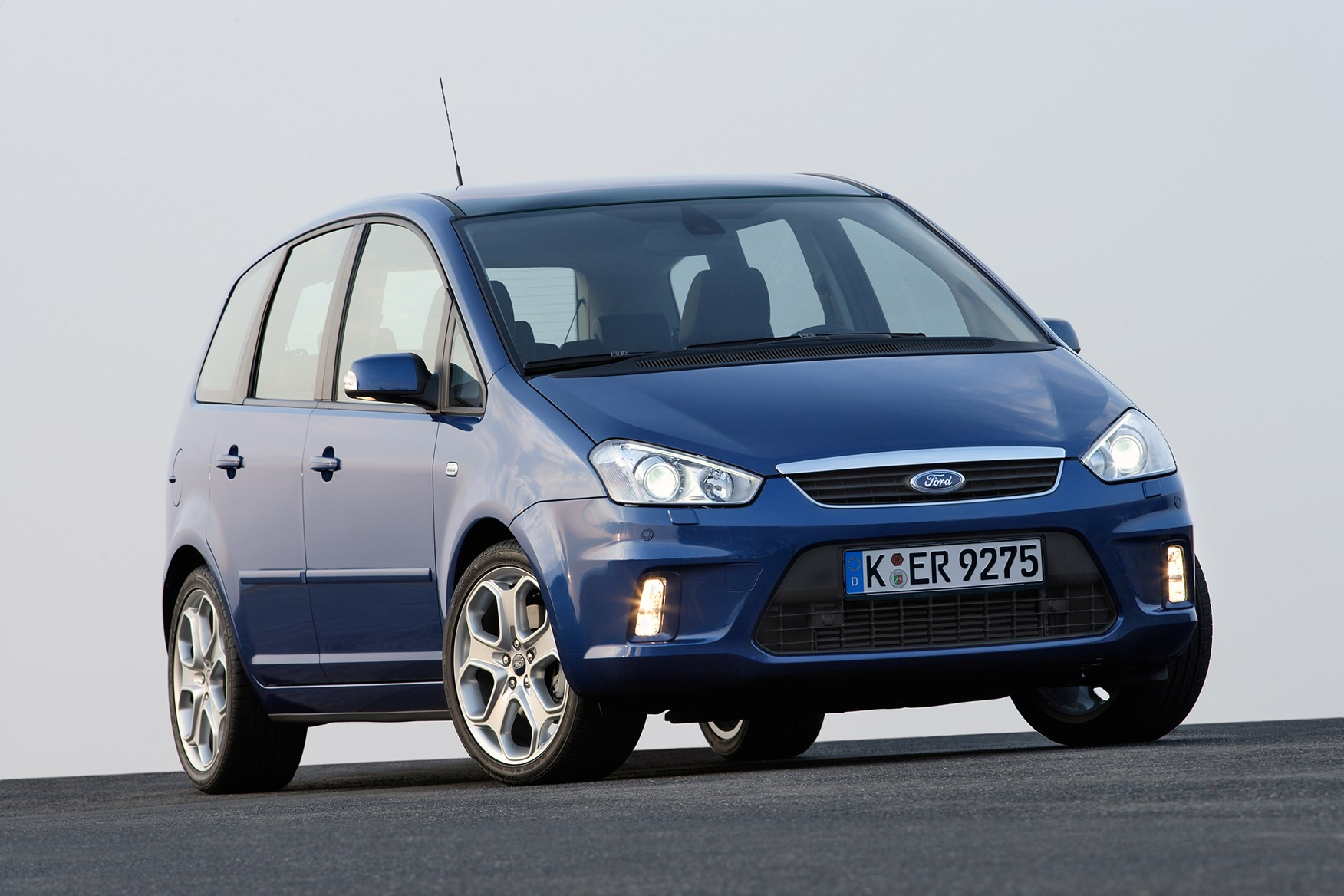 ford focus  max estate   review parkers