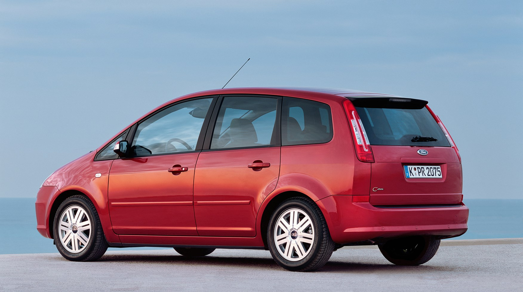 Ford C Max Review >> Ford Focus C-MAX Estate Review (2003 - 2010) | Parkers