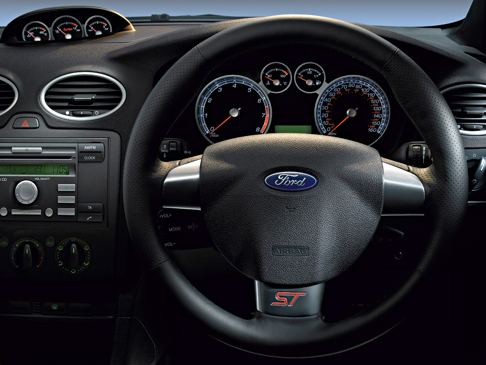 Ford focus st 2006 2010 features equipment and for Ford focus 2006 interieur