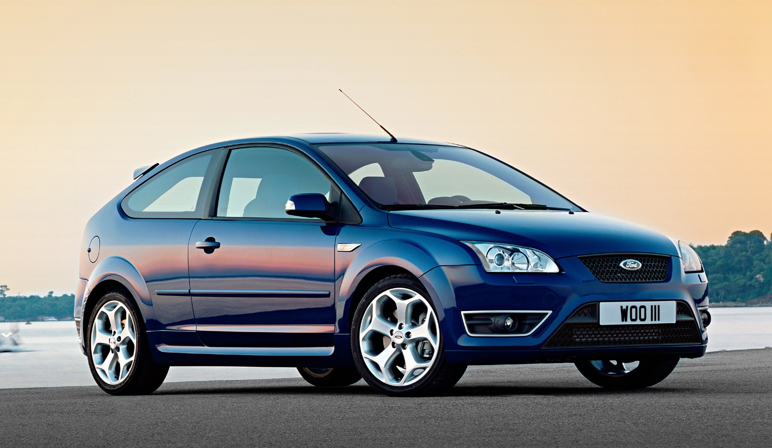 ford focus st review 2006 2010 parkers. Black Bedroom Furniture Sets. Home Design Ideas