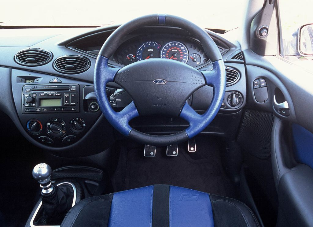 Ford Focus Rs Review 2002 2003 Parkers