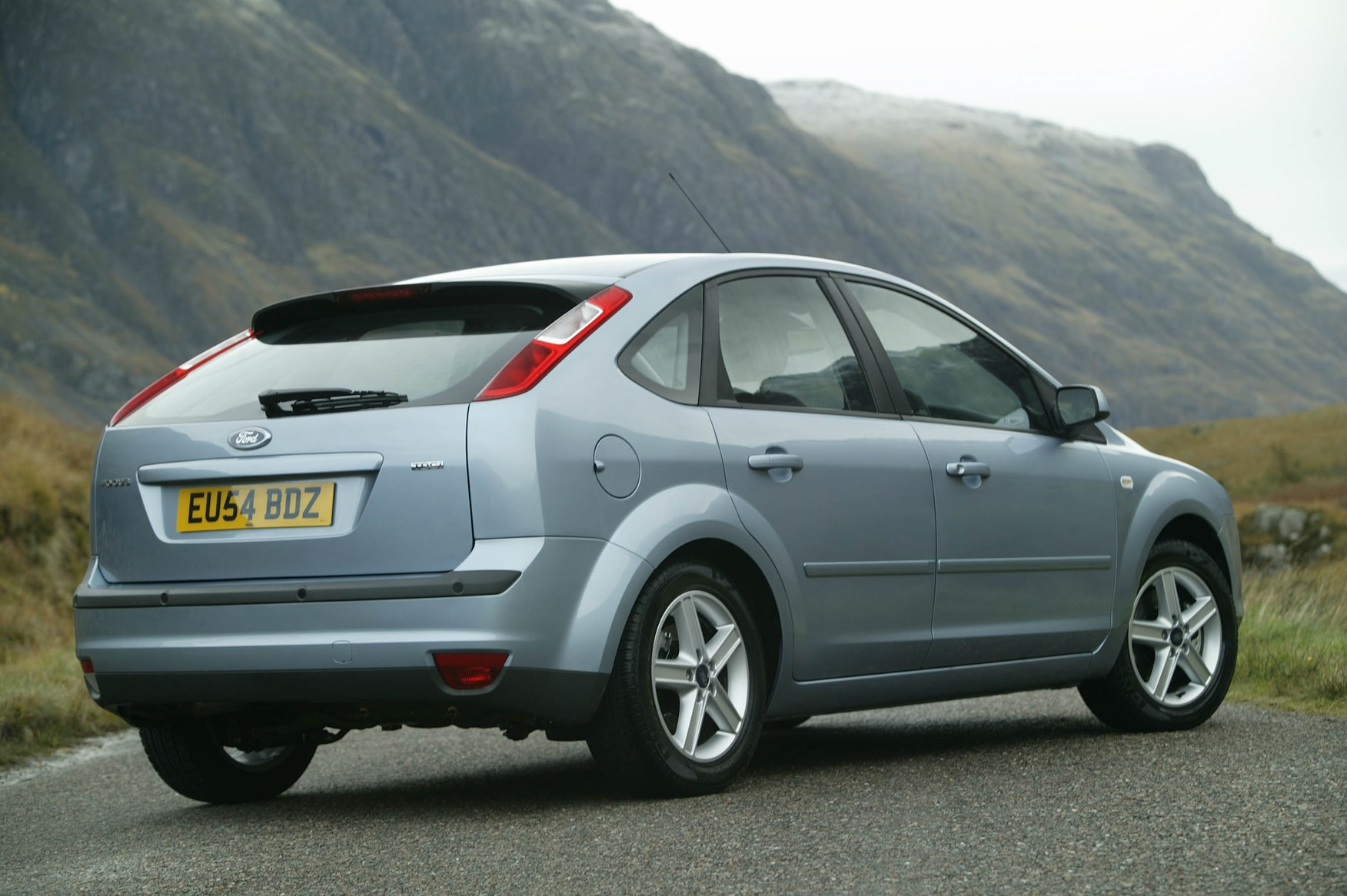 Honda Civic 2012 >> Ford Focus Hatchback (2005 - 2011) Features, Equipment and Accessories | Parkers