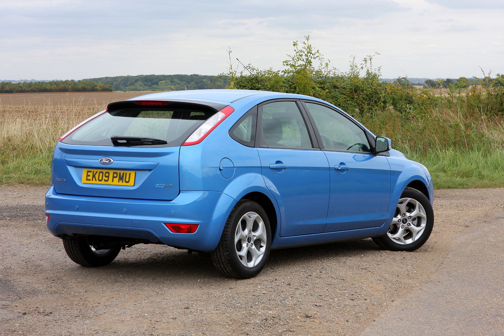 Ford Focus Hatchback (2005 - 2011) Features, Equipment and ...