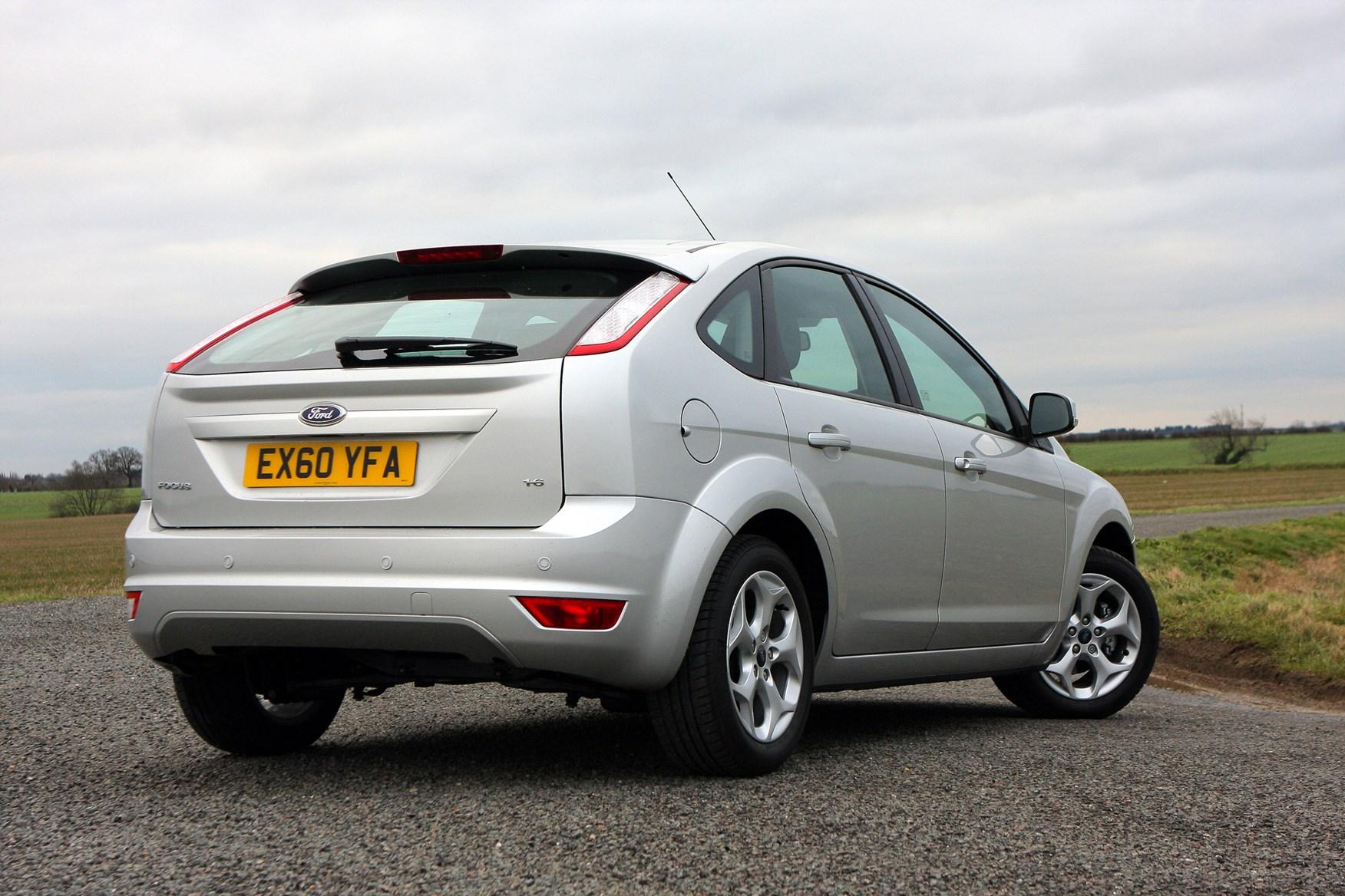 Ford Focus Hatchback (2005 - 2011) Driving & Performance ...