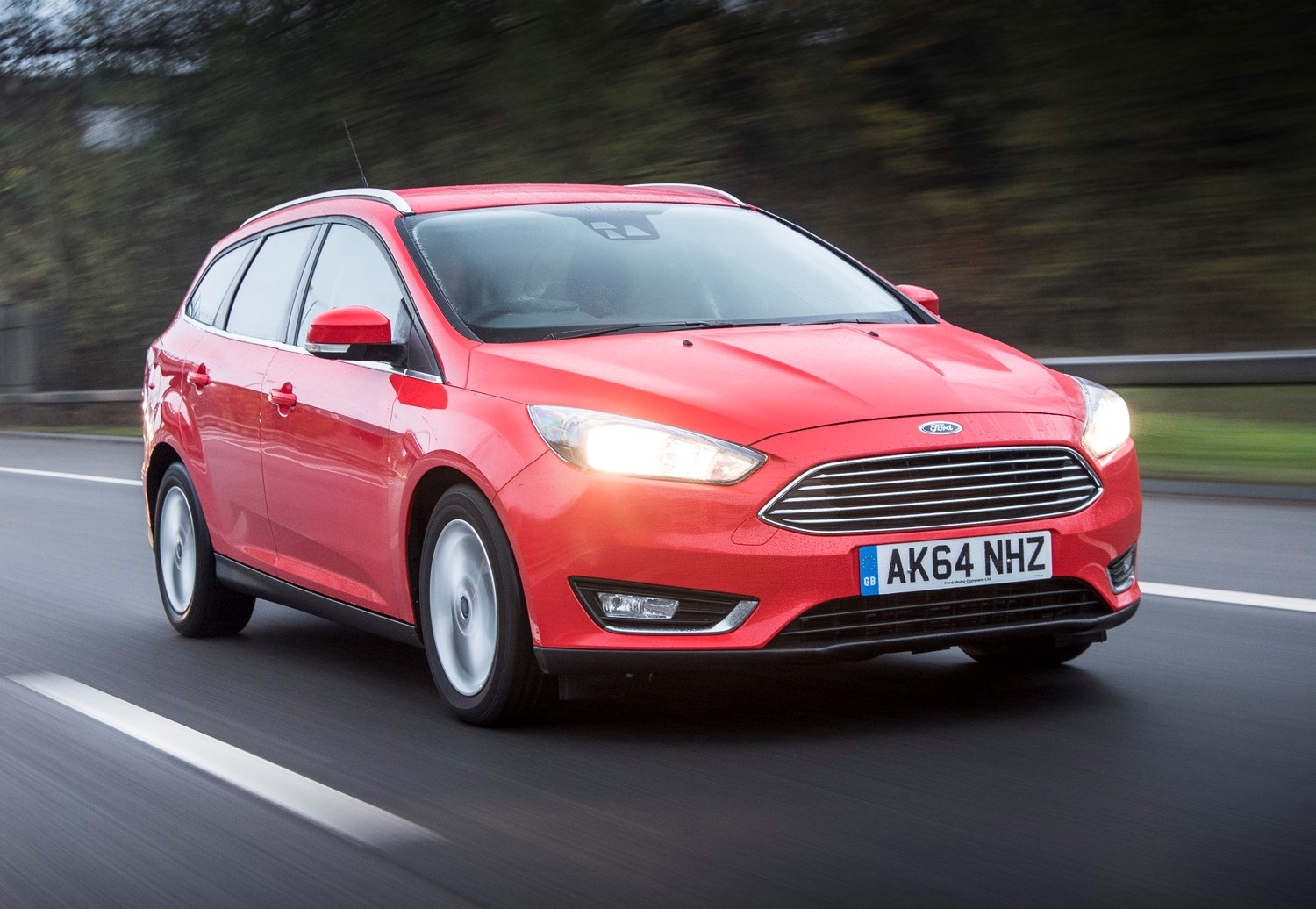 ford focus estate 2011 2018 features equipment and. Black Bedroom Furniture Sets. Home Design Ideas