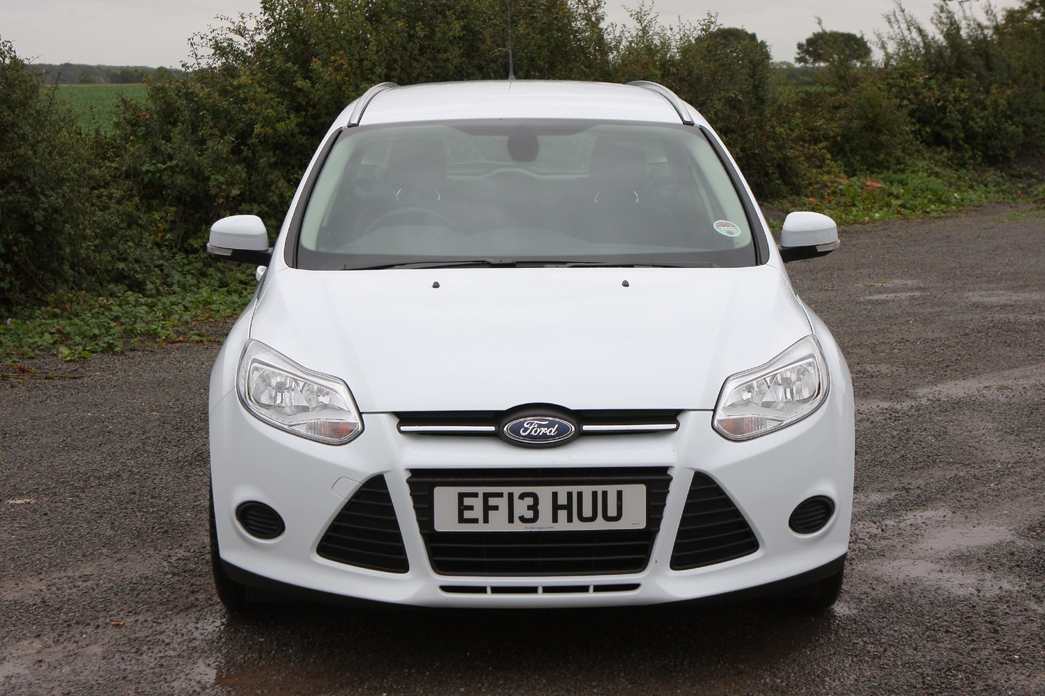 ford focus estate 2011 features equipment and accessories parkers. Black Bedroom Furniture Sets. Home Design Ideas