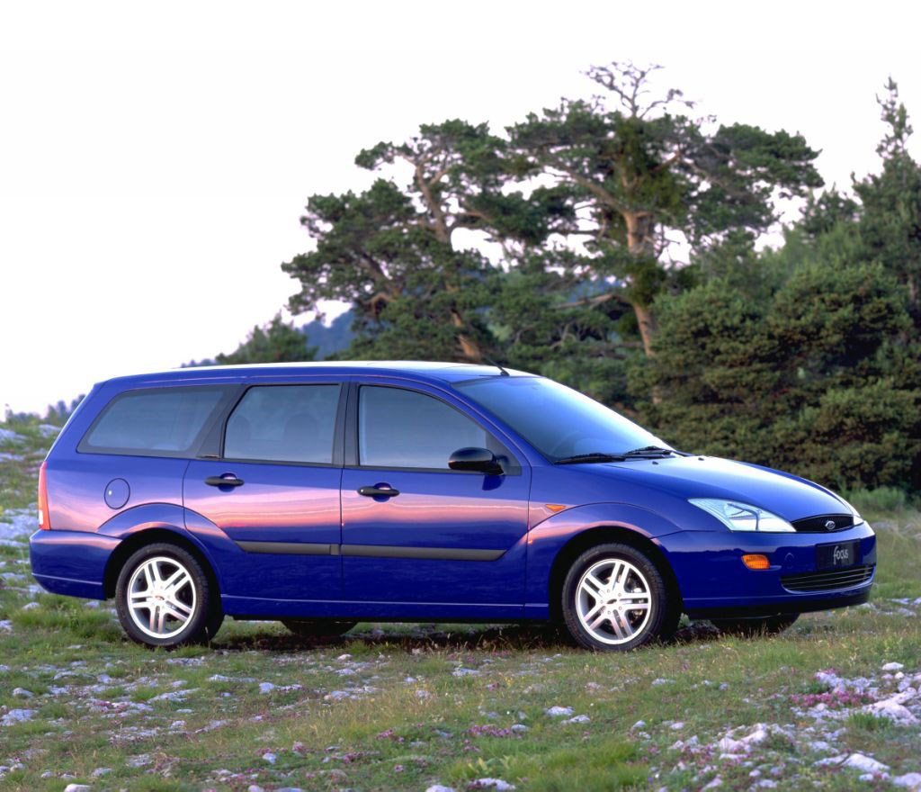 Ford Focus Estate Review (1998 - 2004)