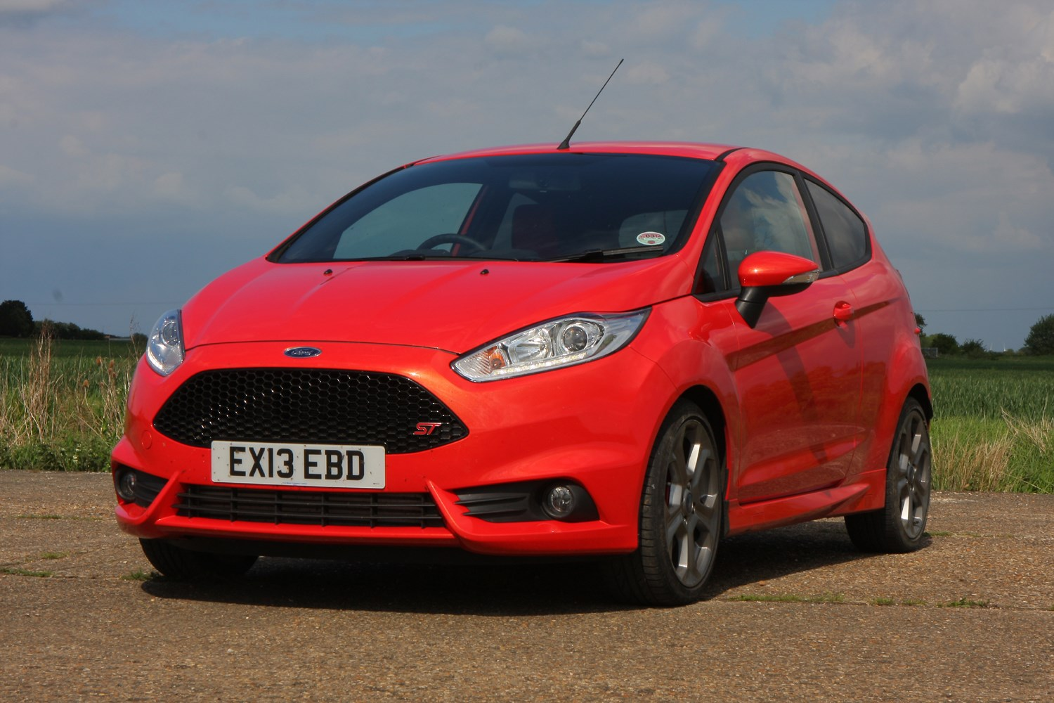 ford fiesta st review 2012 2017 parkers. Black Bedroom Furniture Sets. Home Design Ideas