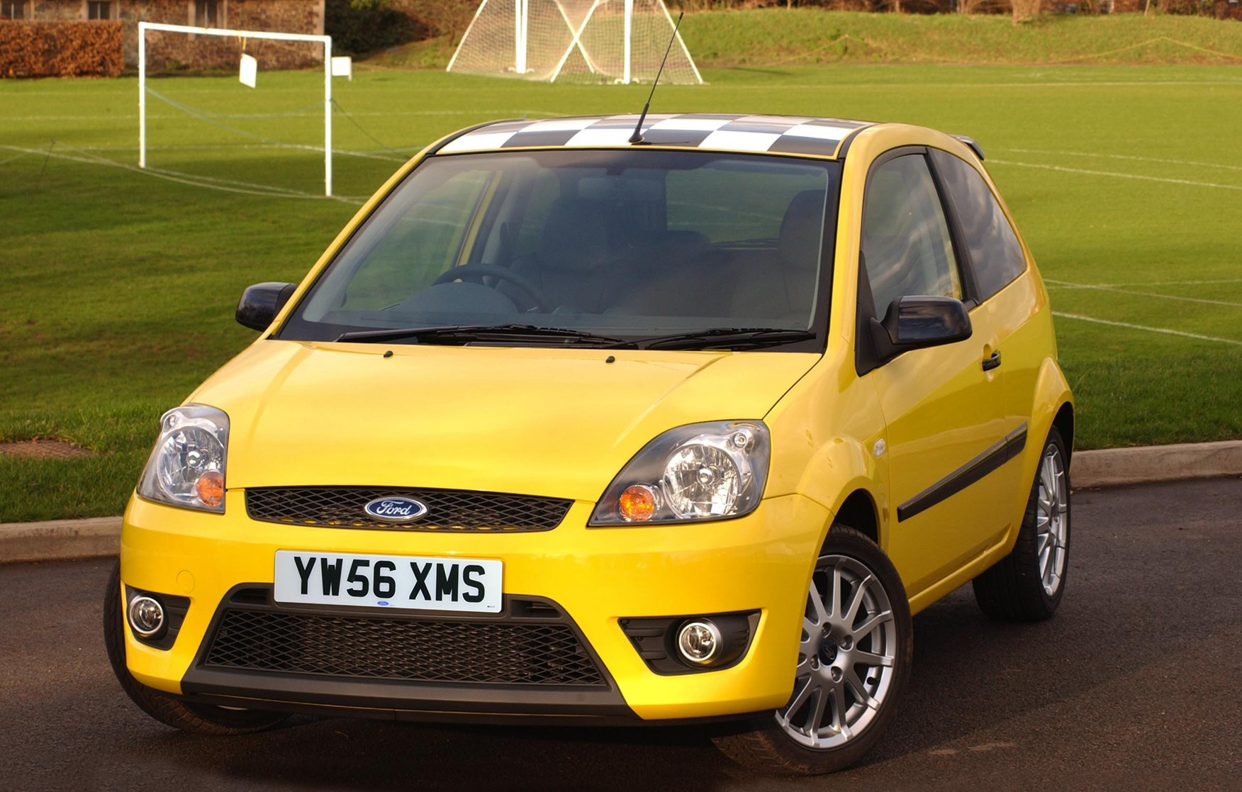 ford fiesta hatchback 2002 2008 features equipment and accessories parkers. Black Bedroom Furniture Sets. Home Design Ideas
