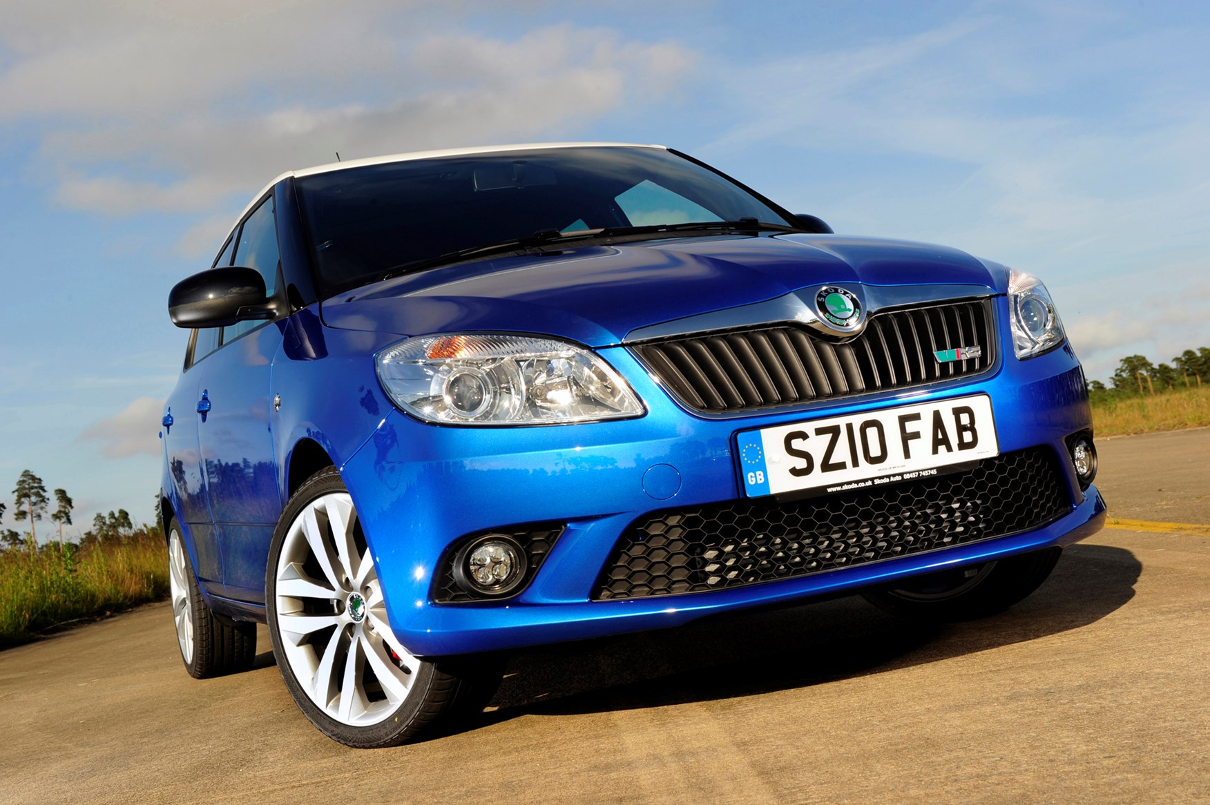 skoda fabia vrs 2010 2014 features equipment and