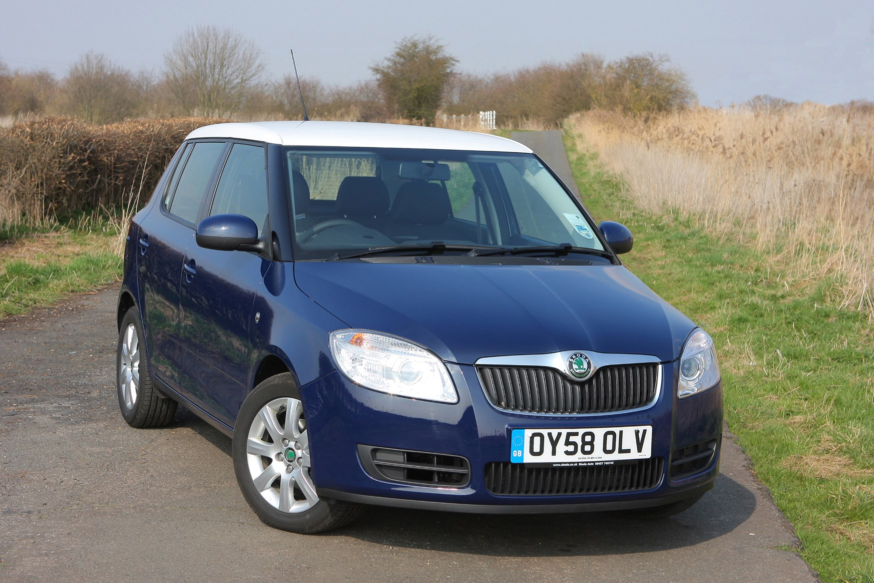 skoda fabia hatchback review 2007 2014 parkers. Black Bedroom Furniture Sets. Home Design Ideas