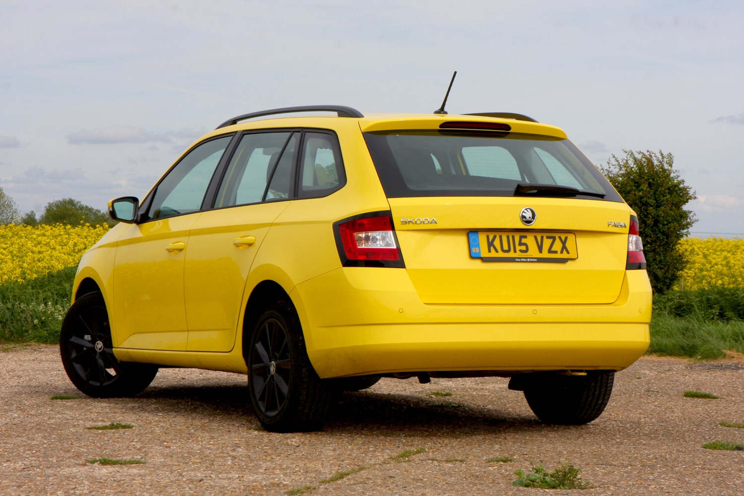 Skoda Fabia Estate (2015 - ) Features, Equipment and ...