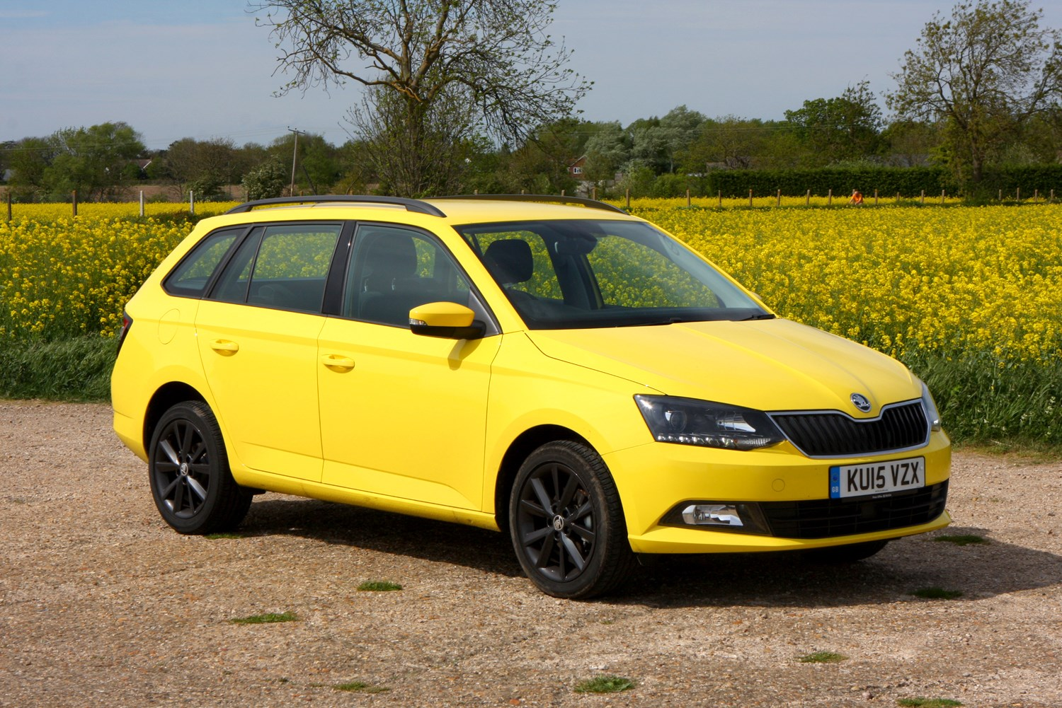 skoda fabia estate review 2015 parkers