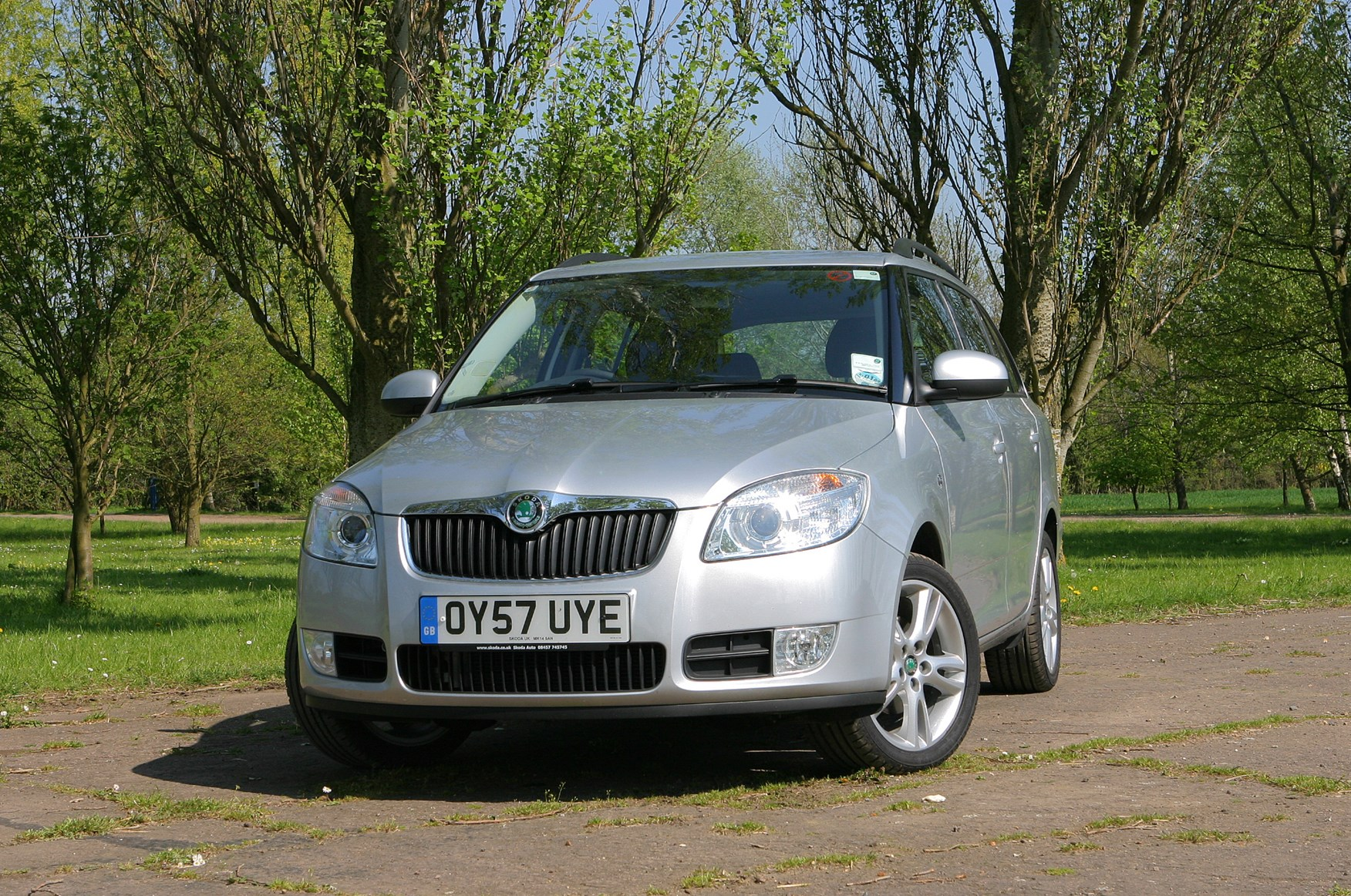 skoda fabia estate review 2008 2014 parkers