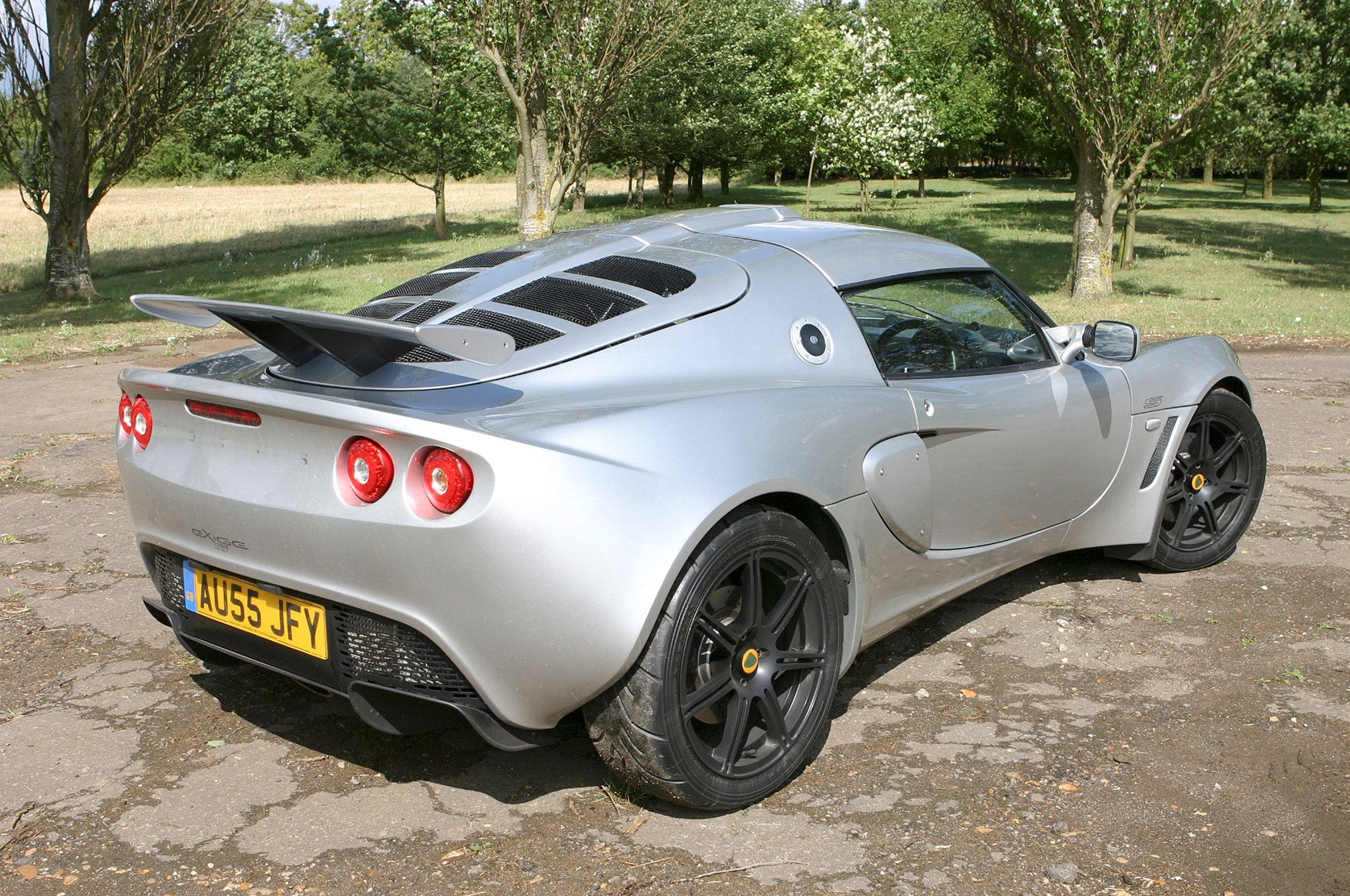 lotus exige coupe review 2004 parkers. Black Bedroom Furniture Sets. Home Design Ideas