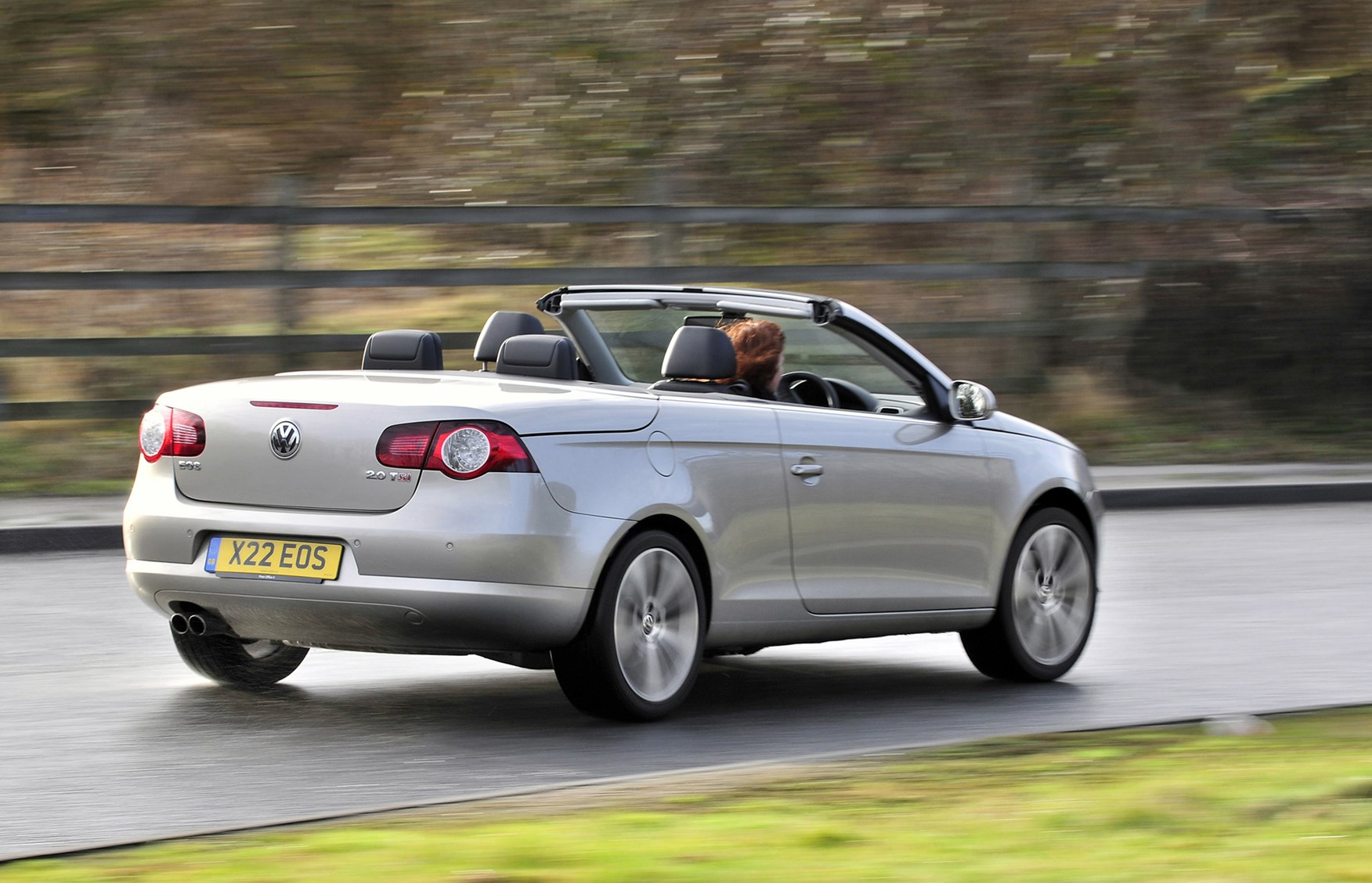 Volkswagen Eos Coupe Cabriolet Review (2006 - 2014) | Parkers