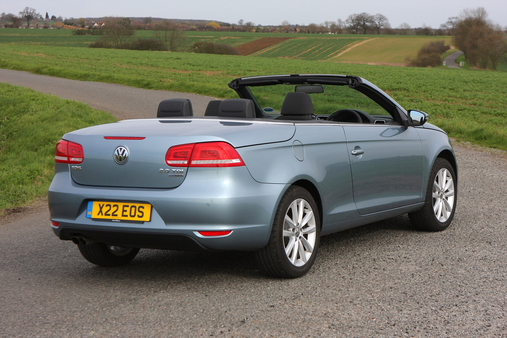 vw review volkswagen carsguide eos convertible reviews car used