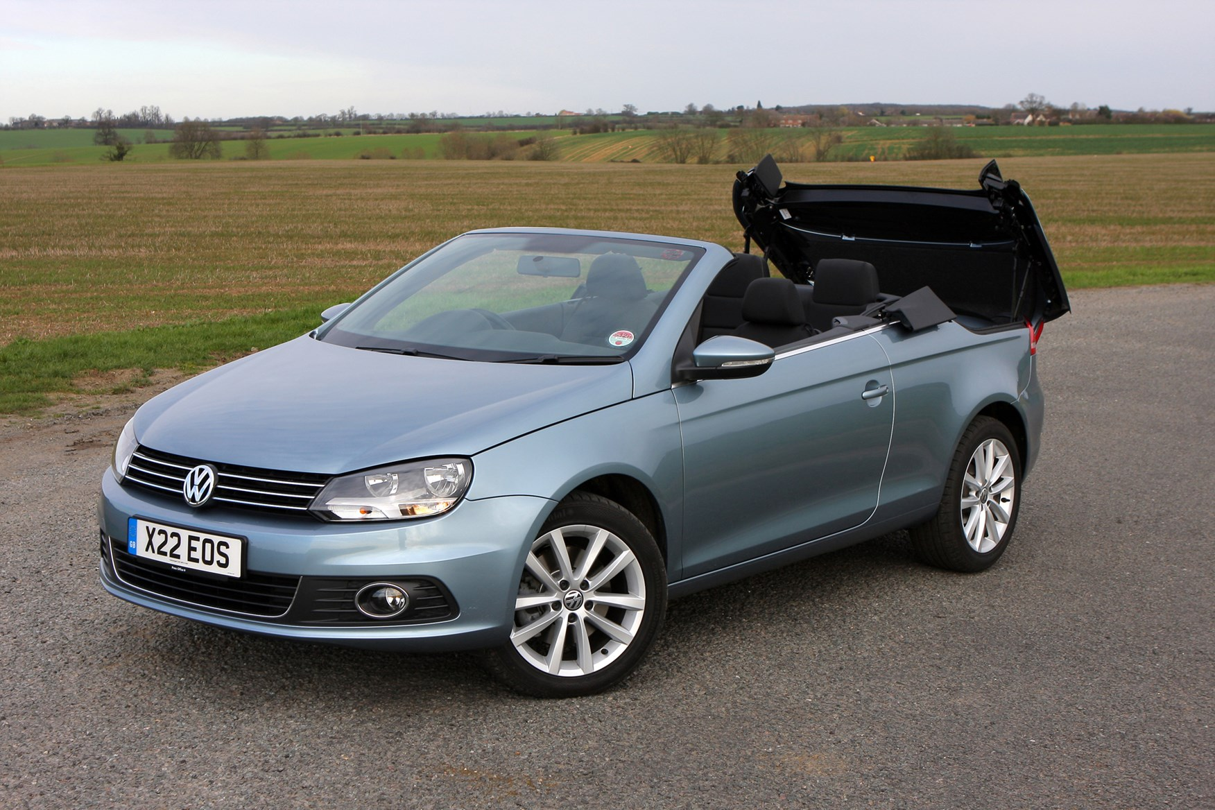 volkswagen eos coupe cabriolet 2006 2014 photos parkers. Black Bedroom Furniture Sets. Home Design Ideas