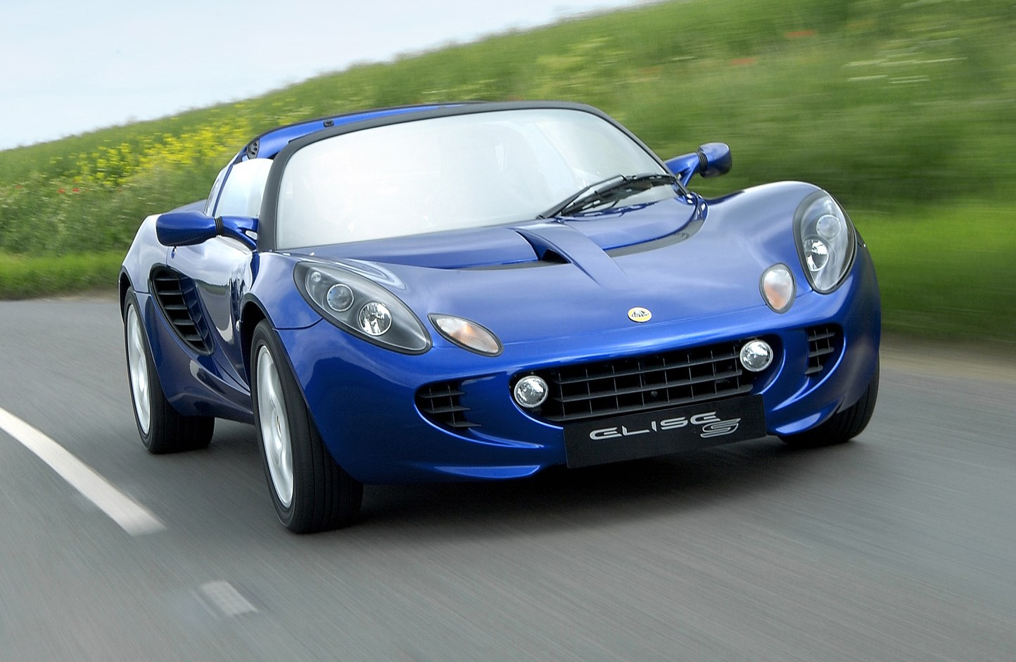 lotus elise convertible review 2000 parkers. Black Bedroom Furniture Sets. Home Design Ideas