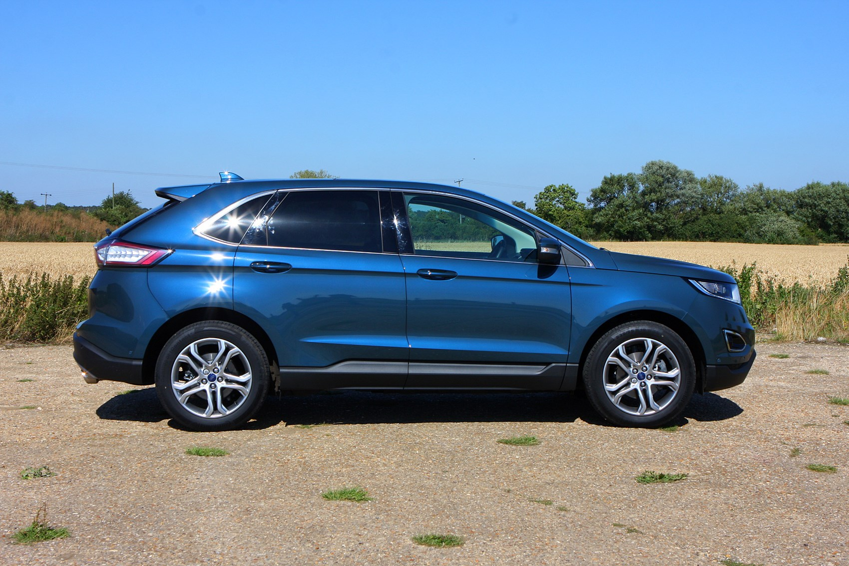 ford edge 4x4 2015 features equipment and accessories parkers. Cars Review. Best American Auto & Cars Review