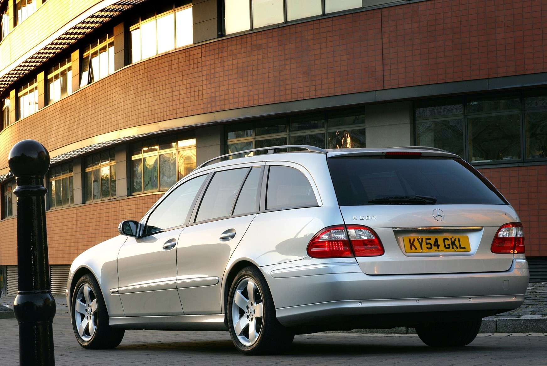 Used Mercedes-Benz E-Class Estate (2003 - 2008) Review | Parkers