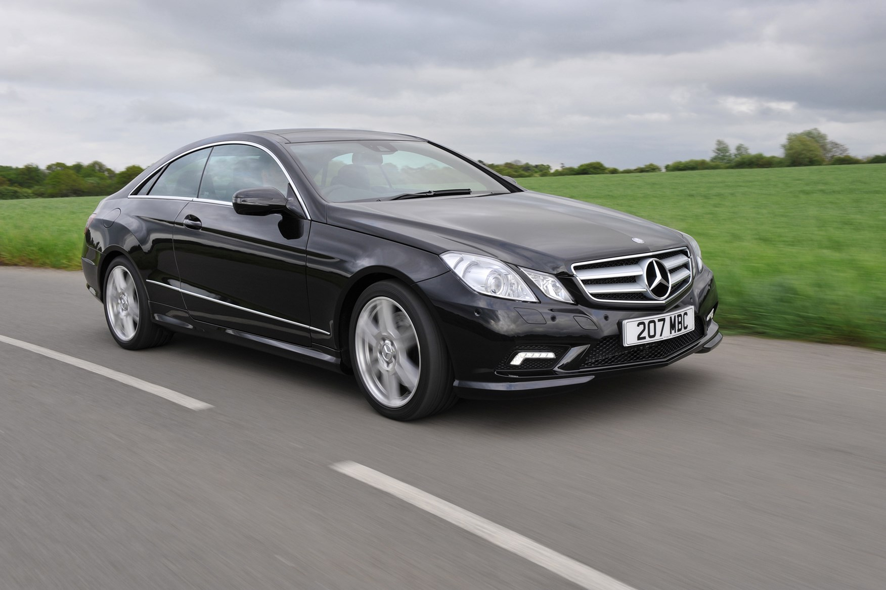 Mercedes benz e class coup 2009 2017 running costs for Mercedes benz 2009 e class