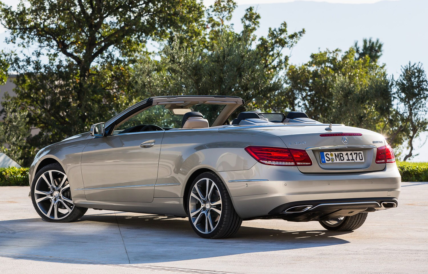 Mercedes benz e class cabriolet 2010 2017 running for How much does a mercedes benz cost