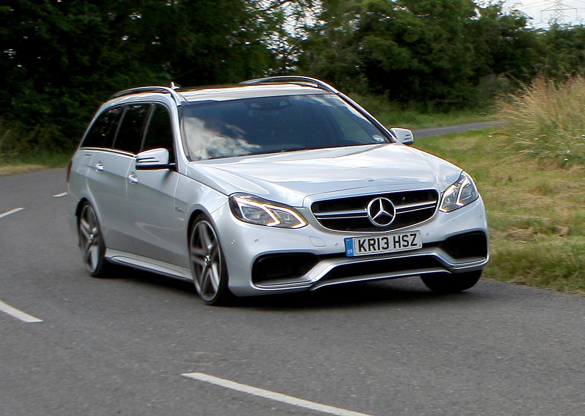 Mercedes benz e class amg review 2009 2016 parkers for How much is a mercedes benz e class
